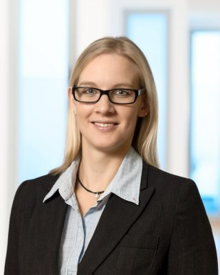 business portrait frau mit brille